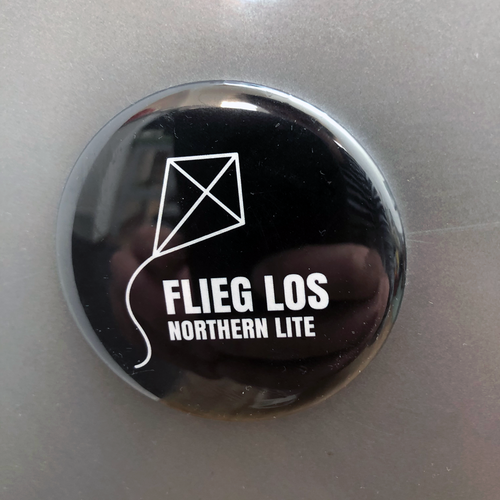 Northern Lite (Magnet 56mm) Flieg Los - black